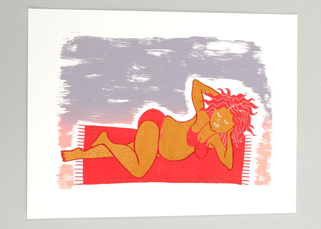 vrouw-op-strand-zeefdruk-roodbruin2